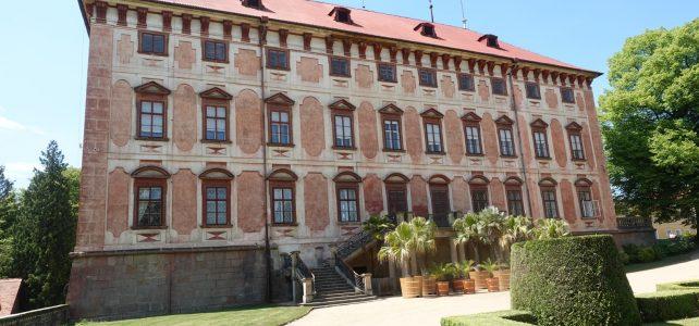 Zámek Libochovice – rodiště slavného badatele a zimní sídlo vrápenců