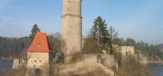 Královský hrad Zvíkov si oblíbili netopýři