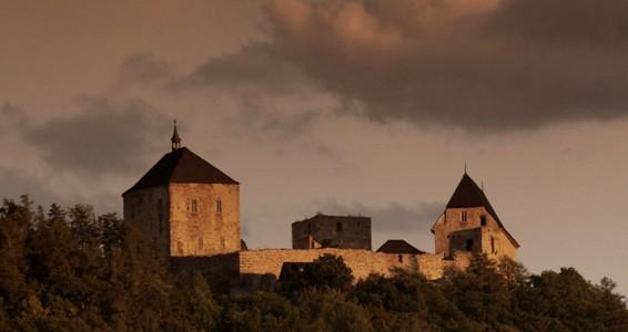 Pojeďte pozorovat netopýry na hrad Točník