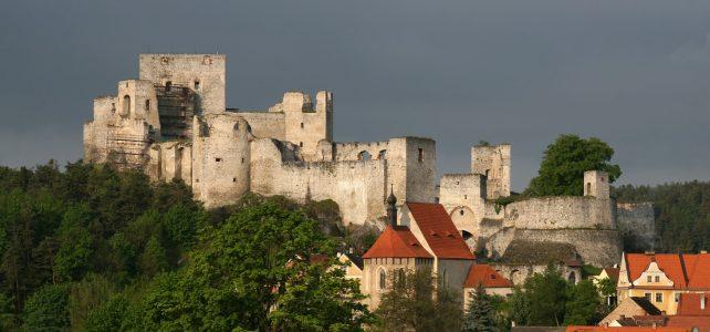 Navštivte hrad Rabí, opevněný domov netopýrů