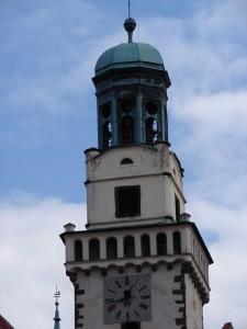 Jižní věž s hodinami a rozhlednou