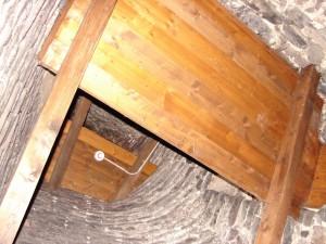 Podlážky nad schody ve věžičce