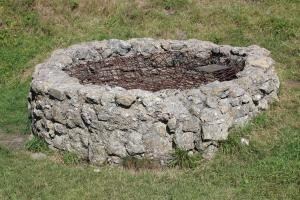 Starobylá hradní studna