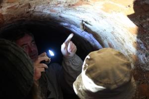 Do podzemí každoročně přicházejí odborníci sčítat netopýry