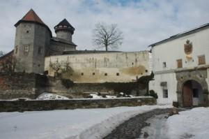 V zimě netopýři obývají podzemní části hradu