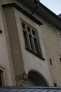 Okno do Netopýřího pokoje.