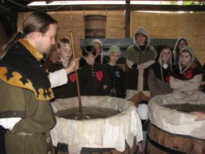 Historicko-řemeslný program pro školy.