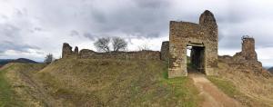 Zřícenina hradu, dříve zvaného Lichtenburk