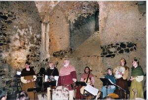 Na hradě se pravidelně konají kulturní akce.