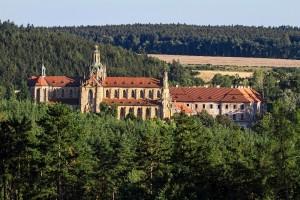 Pohled na klášter ze severu.
