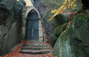 Vstup do hradu.