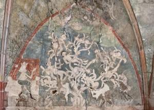 Vzácné malby na stěnách kaple.