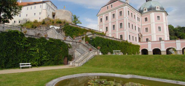 Hrad a zámek Bečov, úkryt relikviáře sv. Maura a netopýrů