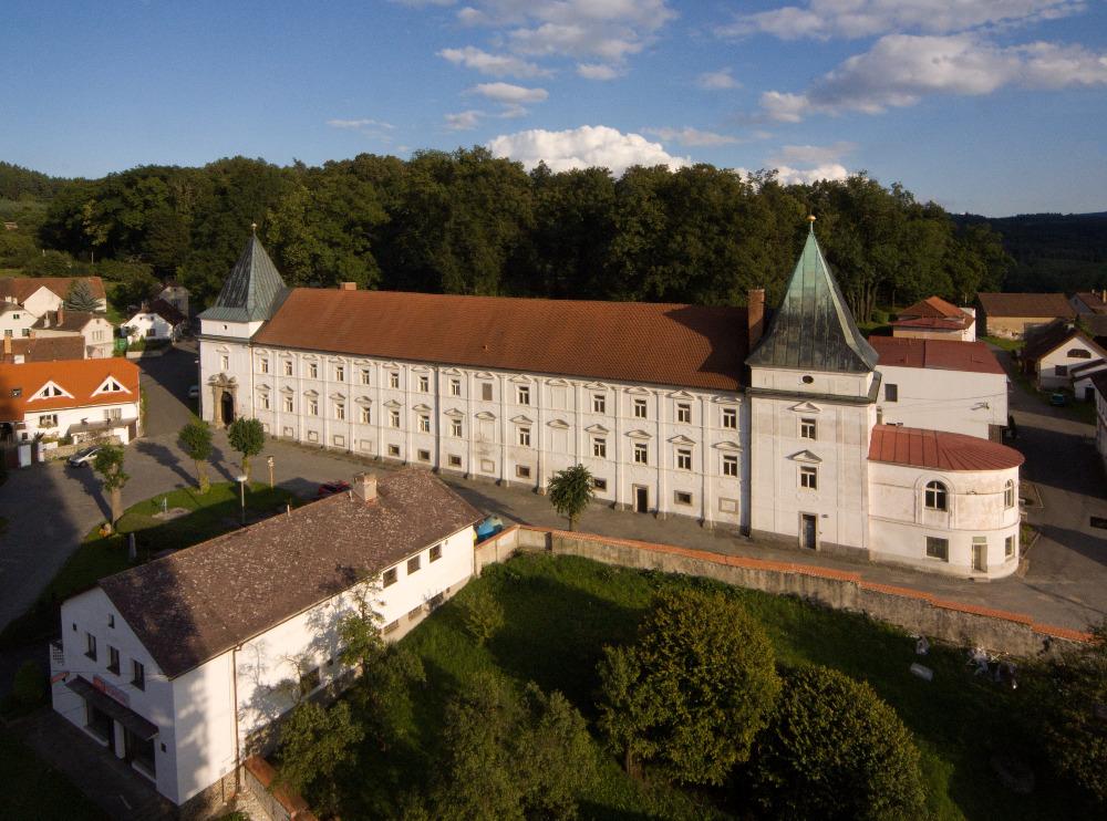 zamek Zihobce